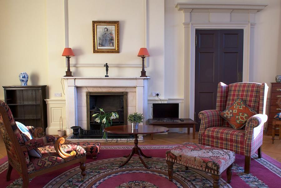 爱丁堡宽敞典雅兩卧度假公寓 – Heriot Row Apartment