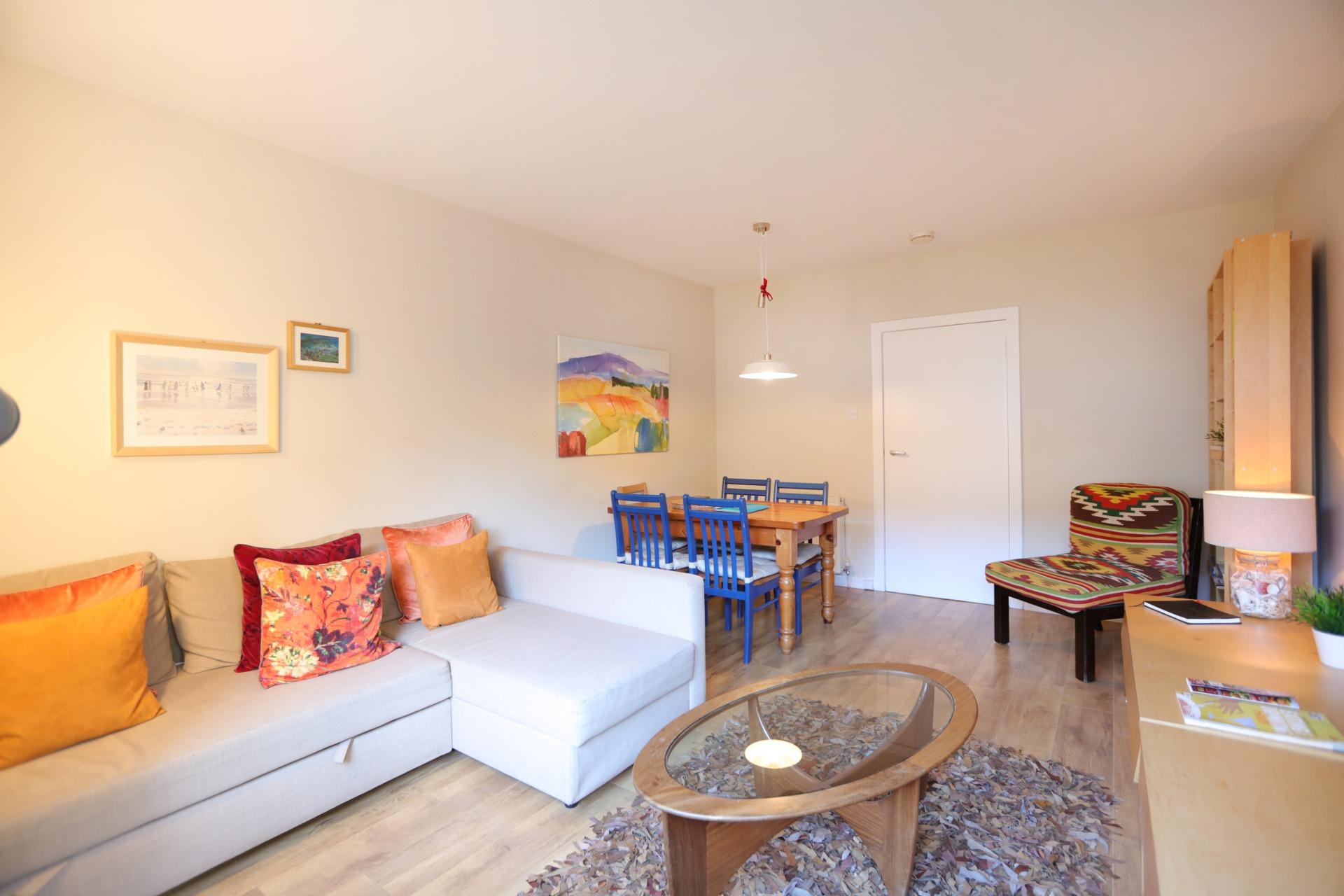 爱丁堡老城皇家大道两卧度假公寓 – Royal Mile No. 1