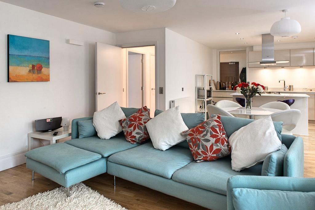 爱丁堡时尚明亮带阳台两卧度假公寓- Dean Park Mews